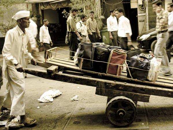 "the dabbawallah service model Is this business model scalable the dabbawallah meal distribution network is simple logistics service model characterized by a combination of a ""baton relay system."