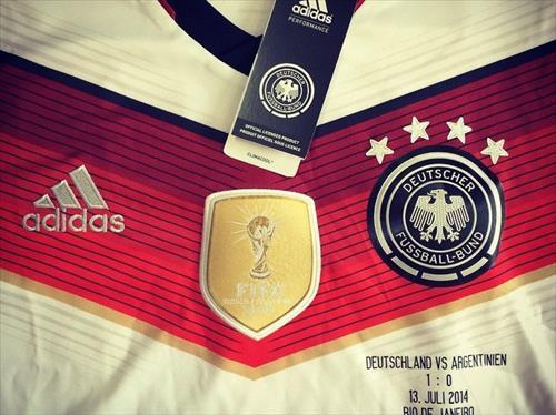 Rank 2 Adidas : Top 10 Sportswear Brands of the World 2015