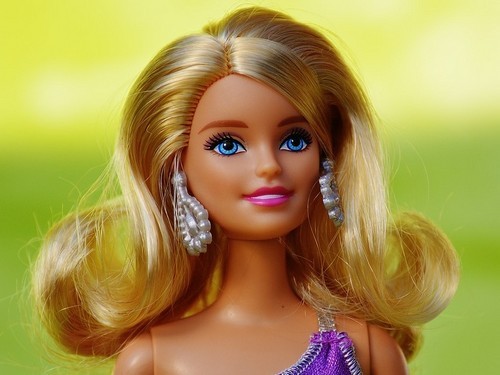 marketing mix barbie Essay about marketing case study for barbie the term marketing mix is used to describe the all the options available to the marketing manager in order to.