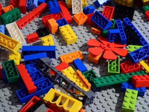 Lego marketing mix
