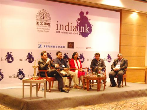 Amish Tripathi, Ravi Subramanian, Rashmi Bansal, Santosh Desai and Gautam Padmanabhan at the event